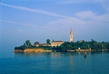 Poveglia-island2-550x371